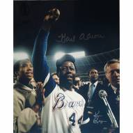 """Atlanta Braves Hank Aaron One Arm Up w/ Ball in Hand Signed 16"""" x 20"""" Photo"""