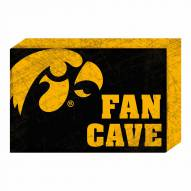 Iowa Hawkeyes Fan Cave Wooden Plock
