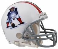 New England Patriots 65-81 Riddell VSR4 Mini Football Helmet