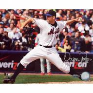 """New York Mets Oliver Perez 2008 Home Pitching vs Phillies Signed 16"""" x 20"""" Photo"""